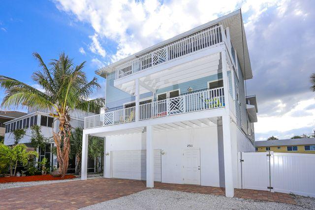 Additional photo for property listing at 2311 Gulf Drive N, #Unit B, Bradenton Beach, FL 34217  Bradenton Beach, Florida,34217 United States