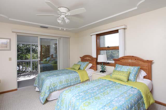 Additional photo for property listing at 1870 18th Street East, Boca Grande, FL 33921  Boca Grande, Florida,33921 United States