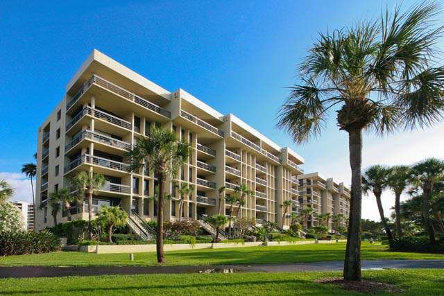 Condominium for Rent at 1125 Gulf of Mexico Drive Unit 104, Longboat Key, FL 34228 Longboat Key, Florida,34228 United States