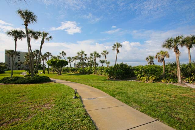 Additional photo for property listing at 1125 Gulf of Mexico Drive Unit 104, Longboat Key, FL 34228  Longboat Key, Florida,34228 United States