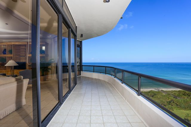 Additional photo for property listing at 435 L` Ambiance Drive Unit #L907, Longboat Key, FL 34228  Longboat Key, Florida,34228 United States