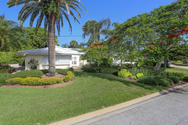 Single Family Home for Rent at 513 Outrigger Ln, Longboat Key, FL 34228 Longboat Key, Florida,34228 United States