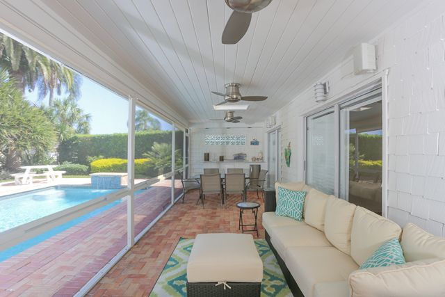 Additional photo for property listing at 513 Outrigger Ln, Longboat Key, FL 34228  Longboat Key, Florida,34228 United States