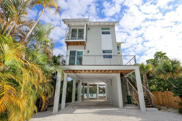 Single Family Home for Rent at 7130 Longboat Dr E, Longboat Key, FL 34228 Longboat Key, Florida,34228 United States
