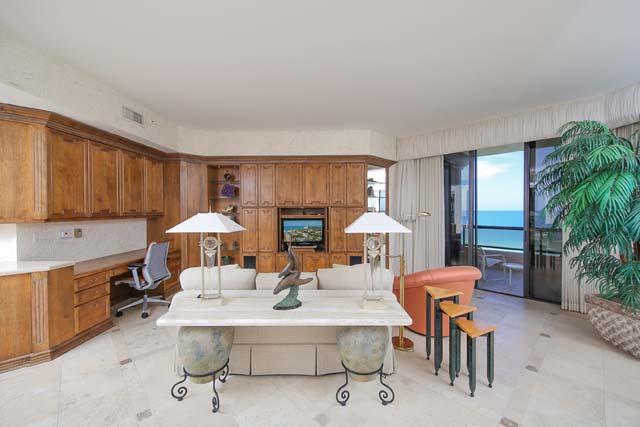 Additional photo for property listing at 435 L` Ambiance Drive Unit #L807, Longboat Key, FL 34228  Longboat Key, Florida,34228 United States