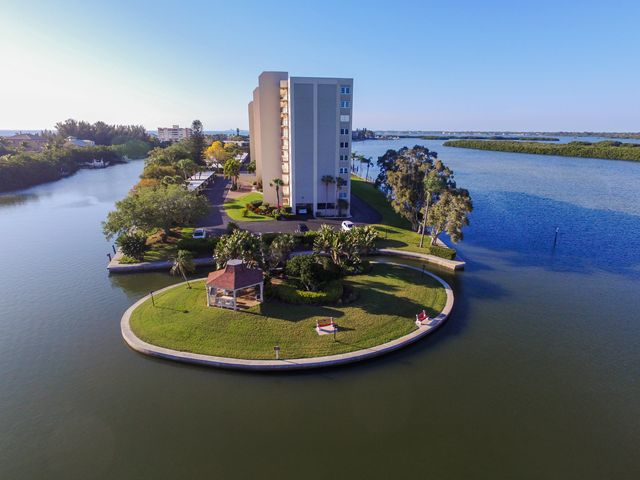 Additional photo for property listing at 9397 Midnight Pass Rd, #P5, Sarasota, FL 34242  Sarasota, Florida,34242 United States
