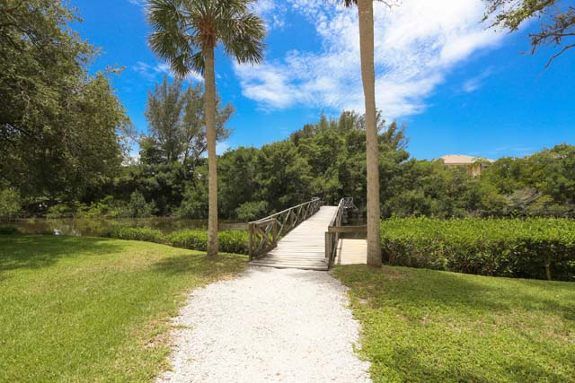 Additional photo for property listing at 8540 Heron Lagoon Cir, Sarasota, FL 34242  Sarasota, Florida,34242 United States