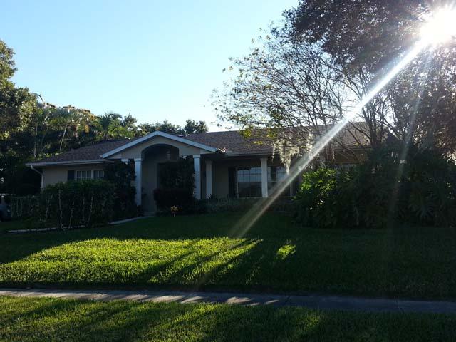 616 Hillcrest Dr, Bradenton, FL 34209