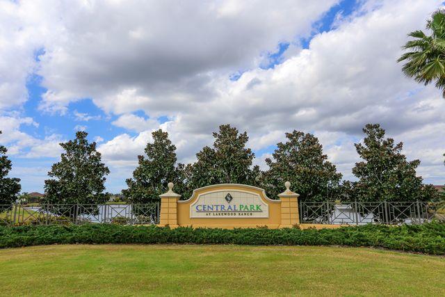 12084 Longview Lake Cir, Lakewood Ranch, FL 34211