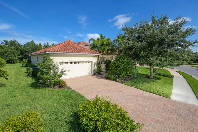 7214 Lake Forest Gln, Lakewood Ranch, FL 34202
