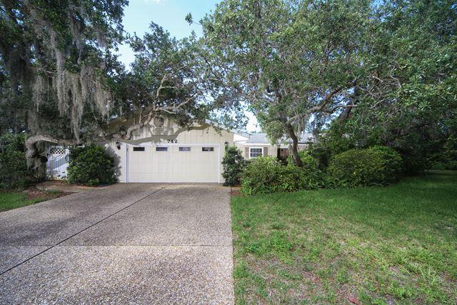 742 Edgemere Ln, Sarasota, FL 34242