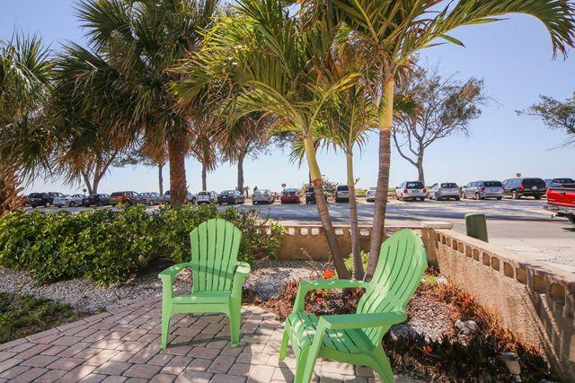 Additional photo for property listing at 1003 Gulf Dr S, Unit #4, Bradenton Beach, FL 34217  Bradenton Beach, Florida,34217 United States