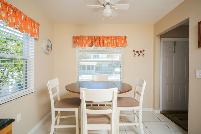 Additional photo for property listing at 1003 Gulf Dr S, Unit #5, Bradenton Beach, FL 34217  Bradenton Beach, Florida,34217 United States