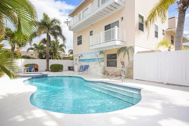 Maison unifamiliale pour l à louer à 222 84th St, Holmes Beach, FL 34217 222 84th St Holmes Beach, Florida,34217 États-Unis