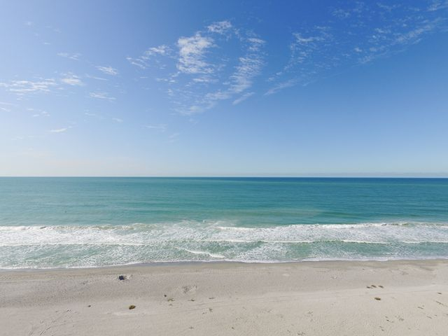 Additional photo for property listing at 2311 Gulf Dr N, Unit #B, Bradenton Beach, FL 34217  Bradenton Beach, Florida,34217 United States