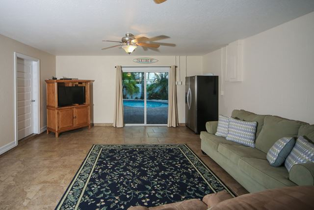 Additional photo for property listing at 309 65th St, Unit A, Holmes Beach, FL 34217 309 65th St, Unit A Holmes Beach, Florida,34217 United States