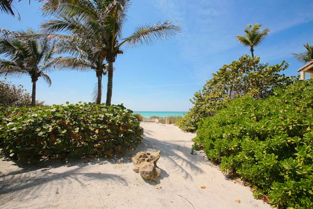 Additional photo for property listing at 1160 11th St E, Boca Grande, FL 33921 1160 11th St E Boca Grande, Florida,33921 United States