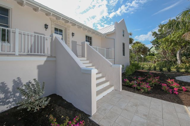 Additional photo for property listing at 306 Barbarosa St, Boca Grande, FL 33921  Boca Grande, Florida,33921 United States