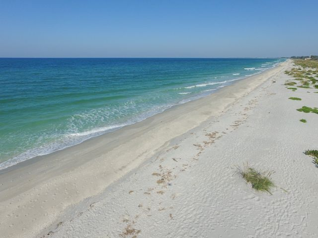 Additional photo for property listing at 540 Gulf Blvd, Unit #11, Boca Grande, FL 33921 540 Gulf Blvd, Unit #11 Boca Grande, Florida,33921 Vereinigte Staaten