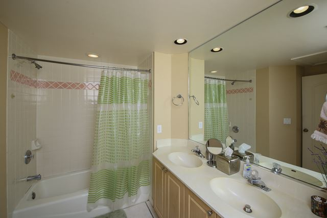 Guest Bathroom - Villa for rent at 3401 54th Drive West Unit F203, Bradenton, FL 34210 - MLS Number is 340154TH203
