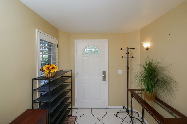 Foyer Entrance - Villa for rent at 3401 54th Drive West Unit F203, Bradenton, FL 34210 - MLS Number is 340154TH203