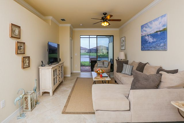 Living Room   Villa For Rent At 6721 Willowshire Way, Bradenton, FL 34212