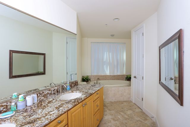 Additional photo for property listing at 1375 Beach Rd, Unit #312, Englewood, FL 34223 1375 Beach Rd, Unit #312 Englewood, Florida,34223 Verenigde Staten