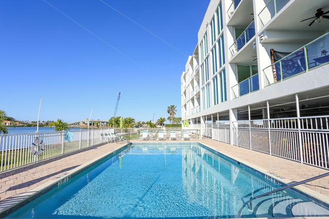 Additional photo for property listing at 1375 Beach Rd, Unit #312, Englewood, FL 34223 1375 Beach Rd, Unit #312 Englewood, Florida,34223 Hoa Kỳ