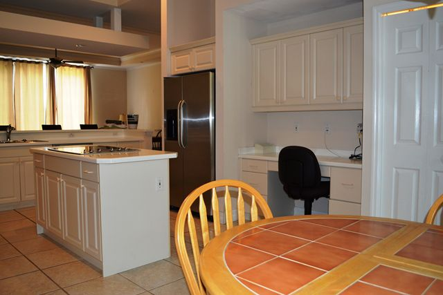 Kitchen with Eat In Dining, Desk and Cooktop Island - Townhouse for rent at 3409 54th Drive West, H103, Bradenton, FL 34210 - MLS Number is 340954TH103
