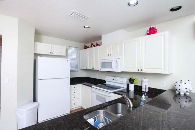 Kitchen - Villa for rent at 3604 54th Drive West, K104, Bradenton, FL 34210 - MLS Number is 360454TH104