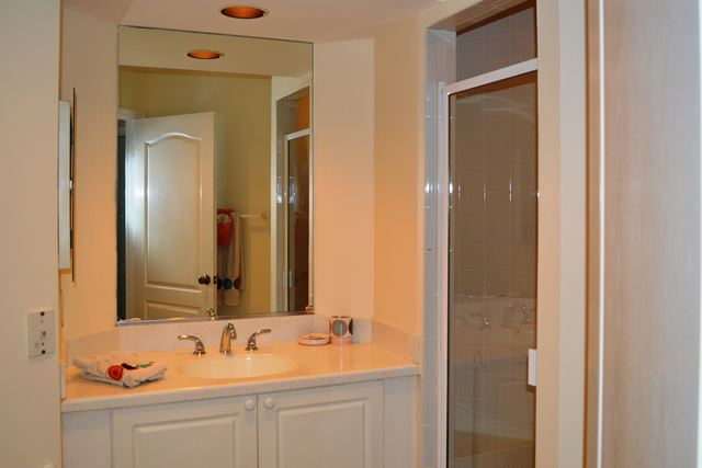 Guest Bathroom - Villa for rent at 3605 54th Drive West, L202, Bradenton, FL 34242 - MLS Number is 360554TH202