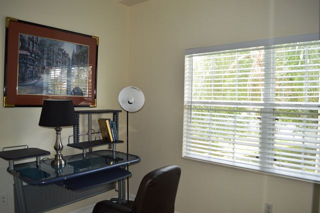 Office / Den - Villa for rent at 3605 54th Drive West, L202, Bradenton, FL 34242 - MLS Number is 360554TH202