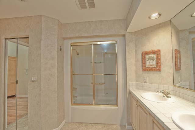 Master Bath - Villa for rent at 3605 54th Drive West, L204, Bradenton, FL 34210 - MLS Number is 360554TH204