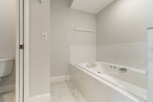 Master Bathroom - Condo for rent at 3608 54th Drive West, J103, Bradenton, FL 34210 - MLS Number is 360854TH103