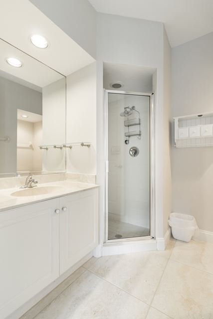 Guest Suite Bathroom - Condo for rent at 3608 54th Drive West, J103, Bradenton, FL 34210 - MLS Number is 360854TH103