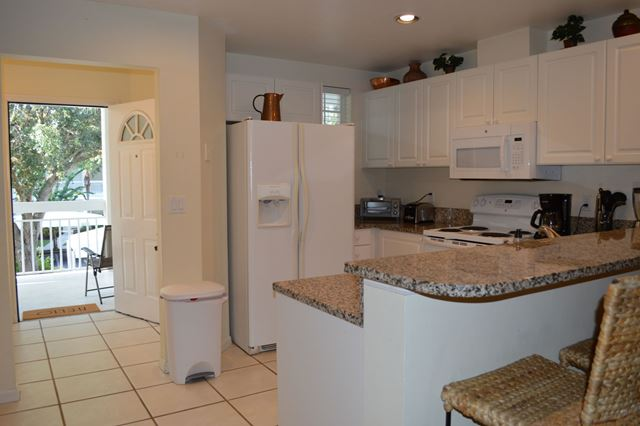 Kitchen - Villa for rent at 3701 54th Drive West, M202, Bradenton, FL 34210 - MLS Number is 370154TH202