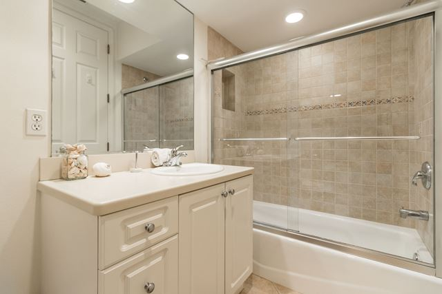 Guest Bathroom - Villa for rent at 3705 54th Drive West #N103, Bradenton, FL 34210 - MLS Number is 370554TH103