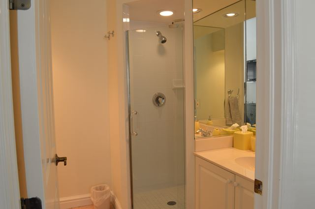 Guest Suite Bathroom - Villa for rent at 3705 54th Drive West, N201, Bradenton, FL 34210 - MLS Number is 370554TH201