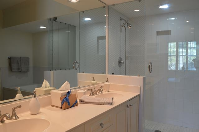 Master Suite Bathroom - Villa for rent at 3705 54th Drive West, N201, Bradenton, FL 34210 - MLS Number is 370554TH201