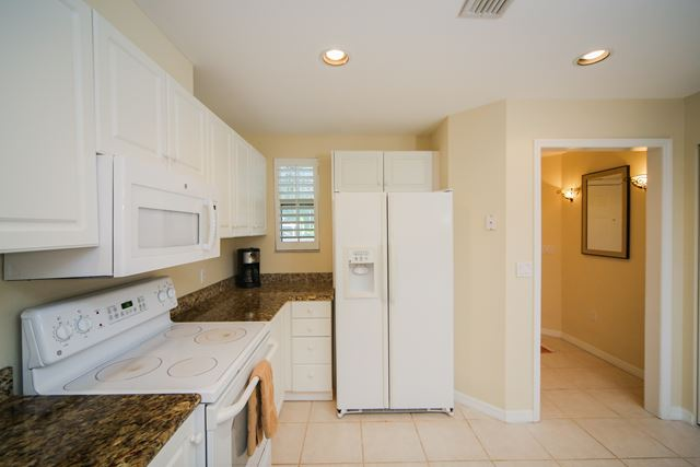 Kitchen - Villa for rent at 3706 54th Drive West, P103, Bradenton, FL 34210 - MLS Number is 370654TH103
