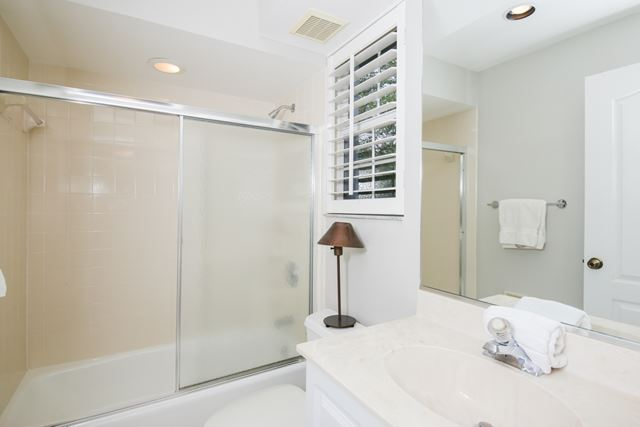 Guest Bathroom - Villa for rent at 3706 54th Drive West, P201, Bradenton, FL 34210 - MLS Number is 370654TH201