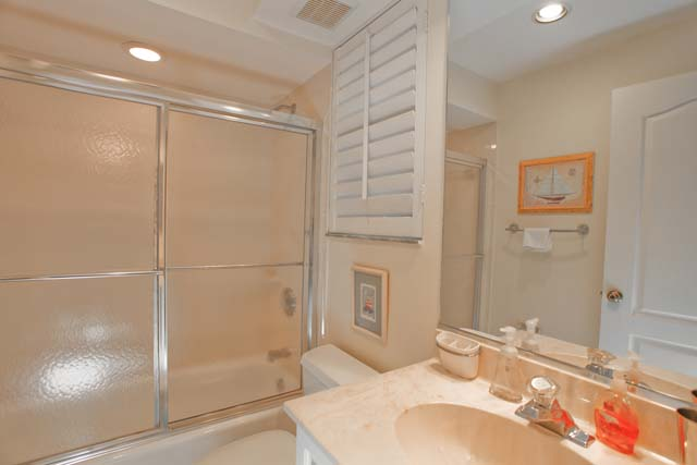 Bath - Villa for rent at 3706 54th Drive West, P201, Bradenton, FL 34210 - MLS Number is 370654TH201