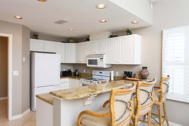 Breakfast Bar - Villa for rent at 3706 54th Drive West, P204, Bradenton, FL 34210 - MLS Number is 370654TH204