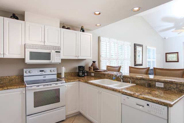 Kitchen - Villa for rent at 3706 54th Drive West, P204, Bradenton, FL 34210 - MLS Number is 370654TH204