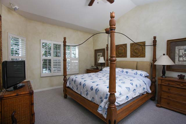Master Bedroom - Villa for rent at 3706 54th Drive West, P204, Bradenton, FL 34210 - MLS Number is 370654TH204