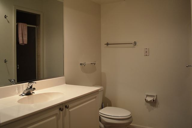 Guest Bathroom - Villa for rent at 3803 54th Drive West, O104, Bradenton, FL 34210 - MLS Number is 380354TH104