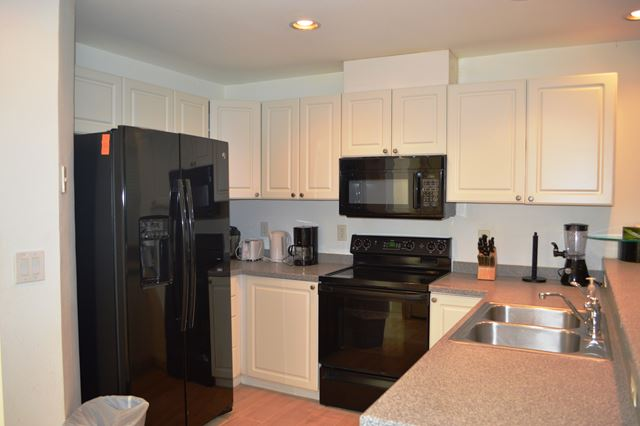 Kitchen - Villa for rent at 3803 54th Drive West, O104, Bradenton, FL 34210 - MLS Number is 380354TH104