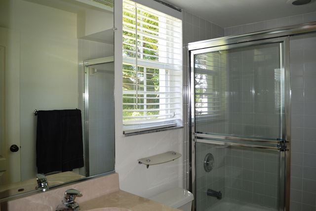 Guest Suite Bathroom - Villa for rent at 3803 54th Drive West, O104, Bradenton, FL 34210 - MLS Number is 380354TH104