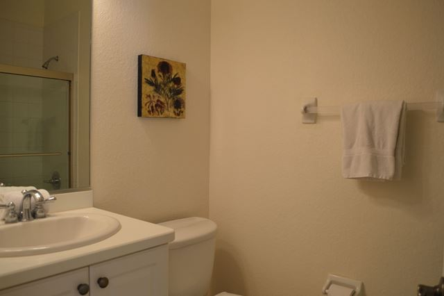 Guest Bathroom - Villa for rent at 5425 46th Court West, Bradenton, FL 34210 - MLS Number is 542546TH