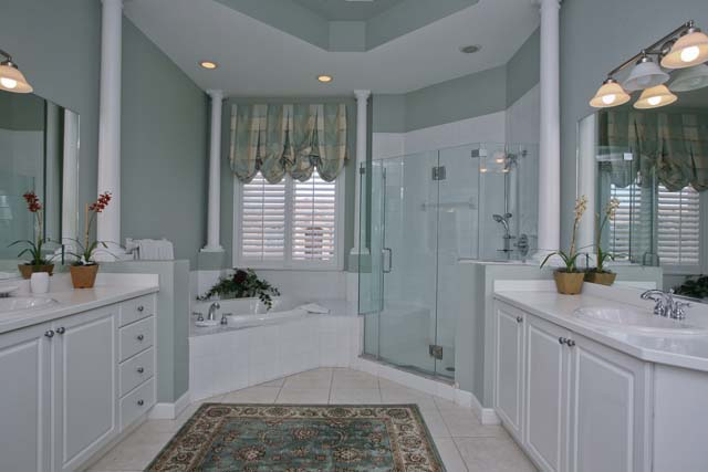 Master Bathroom with Bathtub and Seperate Shower - Villa for rent at 5461 46th Court West, #403, Bradenton, FL 34210 - MLS Number is 546146TH403